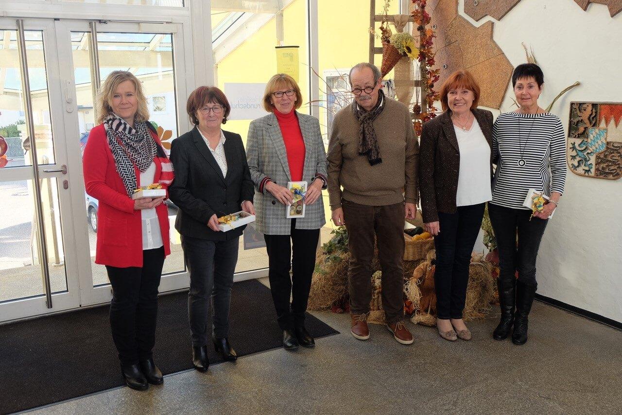 Lesepatinnen - Habermeier Monika, Gleixner Inge, Mohr Heidi, Bgm. Frankl Johann, Rektorin Greiter Maria, Hartl Ilona