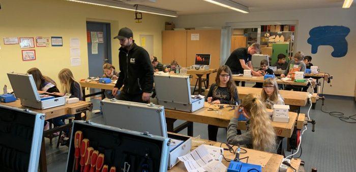 Die 5. Klasse entdeckt die Welt der Technik